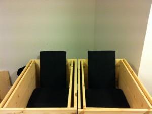 2x racingstoler med setet ferdig trukket